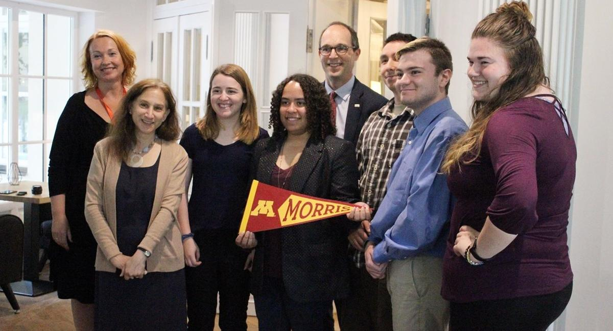 Morris students with US embassy staff