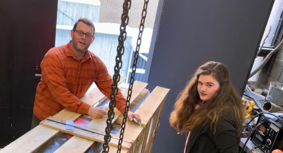 Jason Raimey and Hailey LaMont '19 unloading new equipment in the sculpture studio at UMN Morris